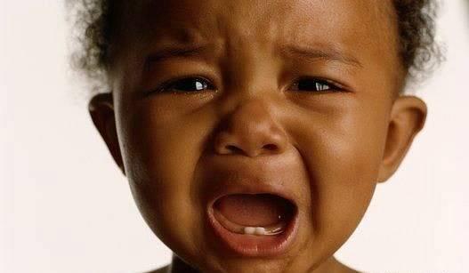 São vários os possíveis motivos que causaram o choro do seu bebê.