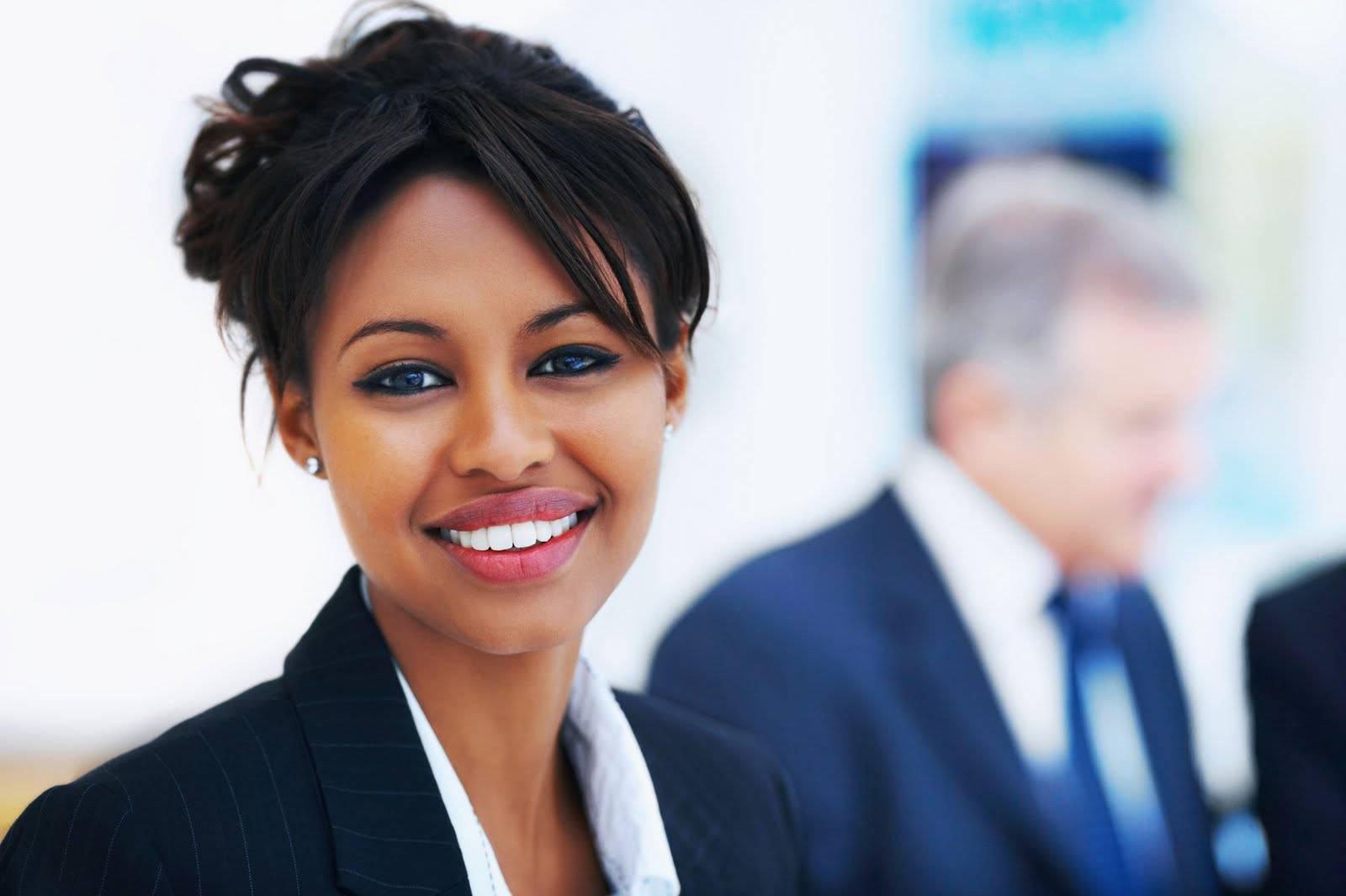 As mulheres estão engravidando mais tarde, por estão se realizando primeiro no mercado de trabalho.